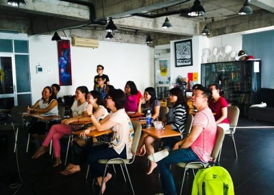 TRAINING VỀ DESIGN THINKING CHO TEAM MARKETING NGÂN HÀNG HSBC