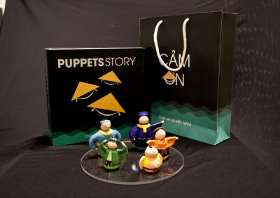 PUPPETS STORY