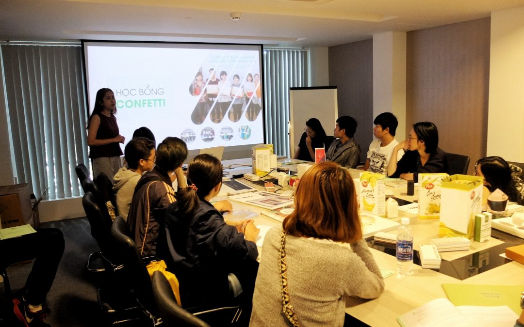 Học viên ADC Academy tham gia training về giấy tại Giấy Lan Vi